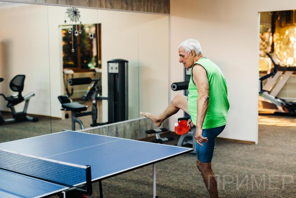 """Настольный теннис в Семейный гостевой дом """"Самотлорские ночи"""" или поблизости"""