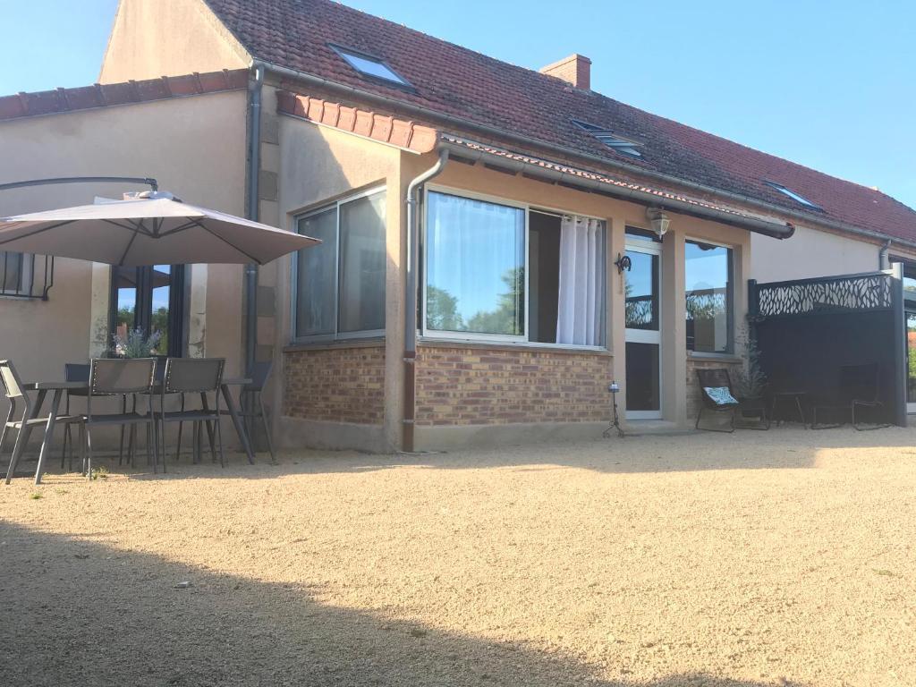 Gîte indépendant La Grange aux Lions, au calme à 10 minutes de Montluçon