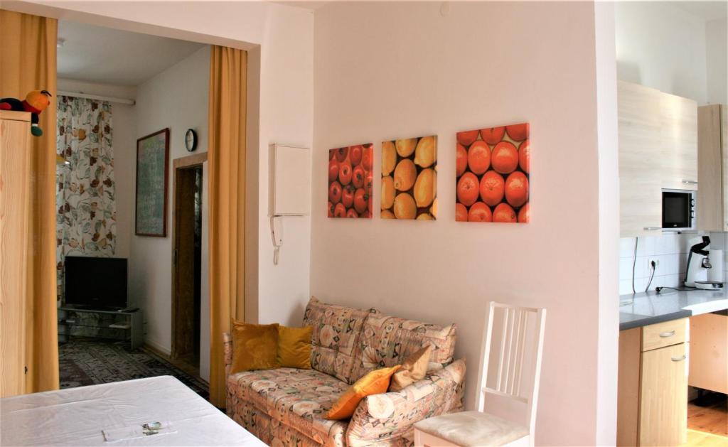 Ein Sitzbereich in der Unterkunft Kleiner Herrenhof
