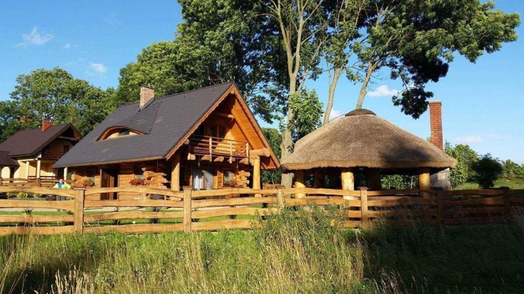 Leszcz - Domek z Bala nad jeziorem