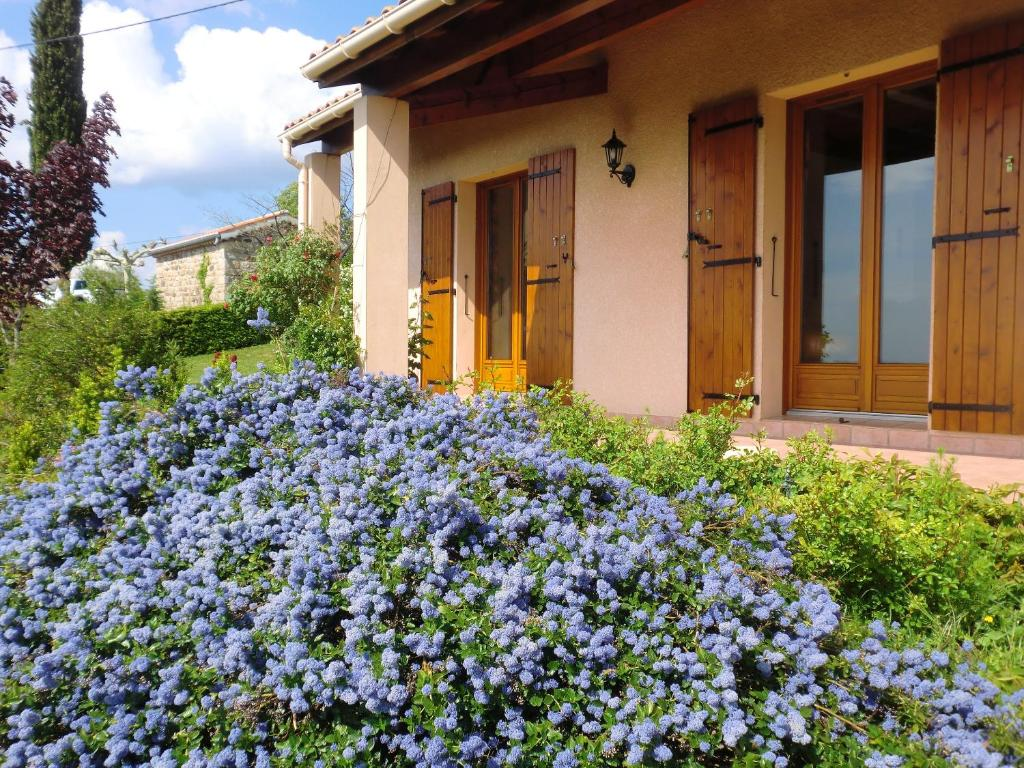 House with 3 bedrooms in Planzolles with wonderful mountain view and enclosed garden