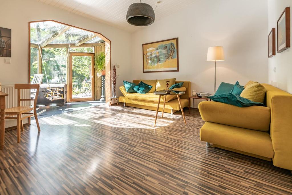 Ein Sitzbereich in der Unterkunft Apartment 'Entspannen im Taunus'
