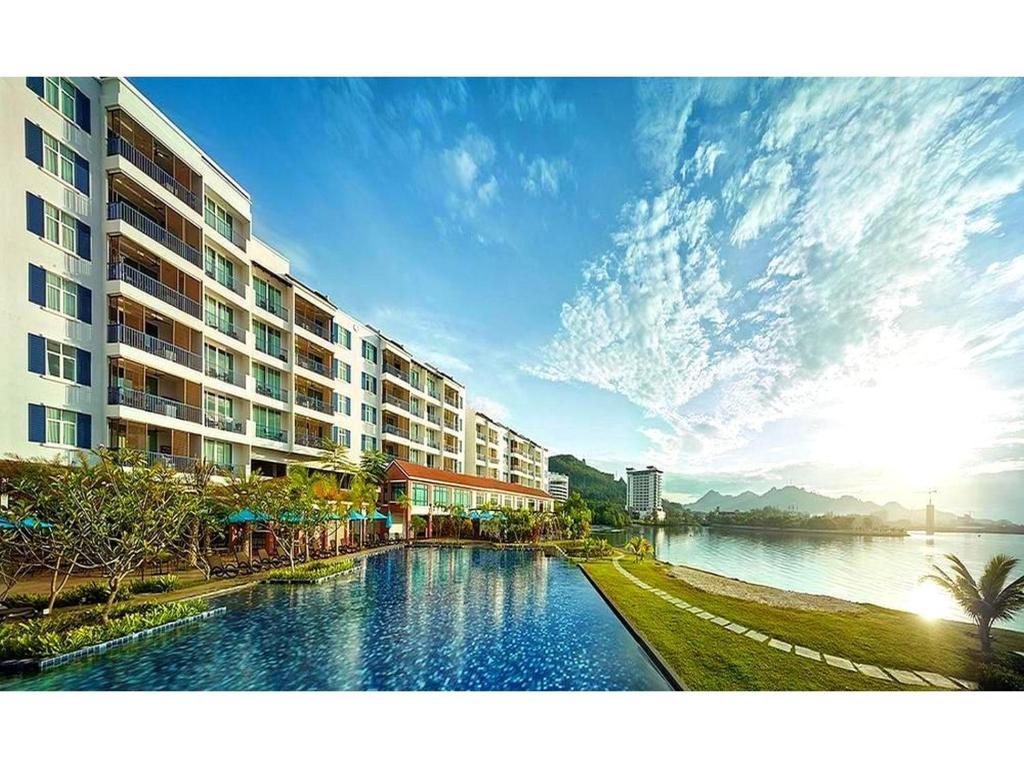 Kolam renang di atau dekat dengan Dayang Bay Resort Langkawi