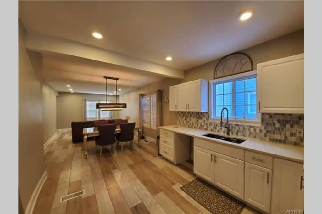 Luxury Private Home in the Heart of Niagara Falls