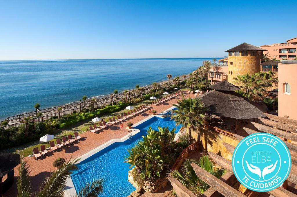 A view of the pool at Elba Estepona Gran Hotel & Thalasso Spa or nearby