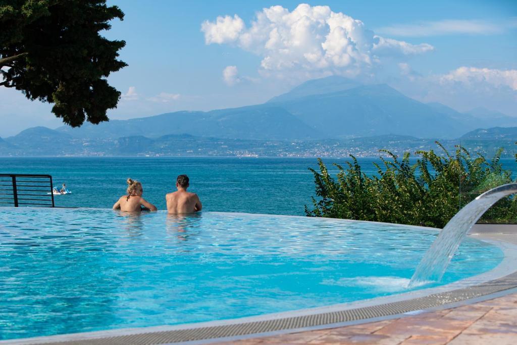 Bazén v ubytování Camping Bergamini nebo v jeho okolí