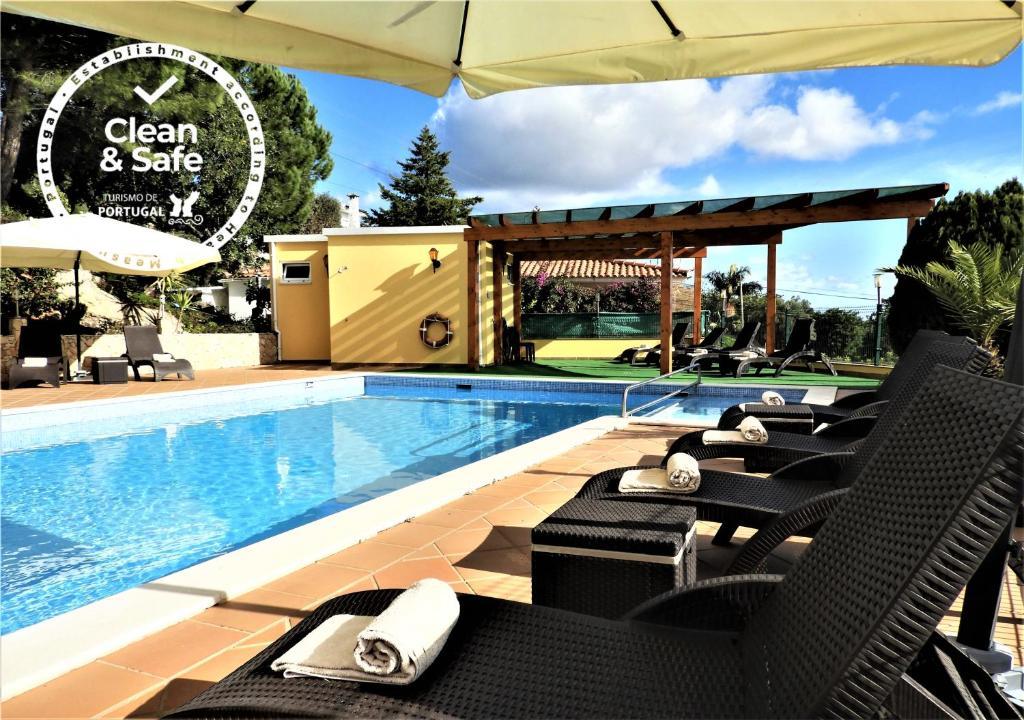 A piscina em ou perto de Hotel Rural Rocha da Gralheira