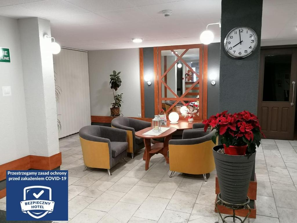 The lobby or reception area at Hotel Lech