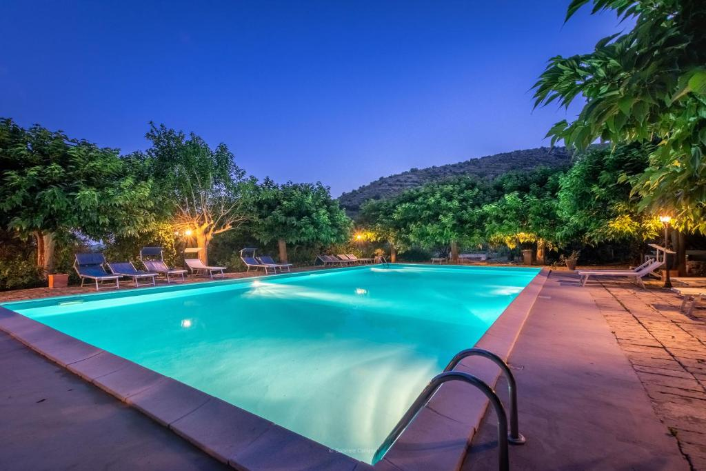 The swimming pool at or close to Agriturismo Val Di Noto