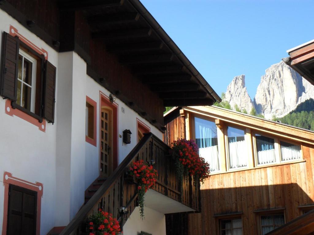 Casa Claudio Appartamenti In Centro Campitello Di Fassa Prezzi Aggiornati Per Il 2021