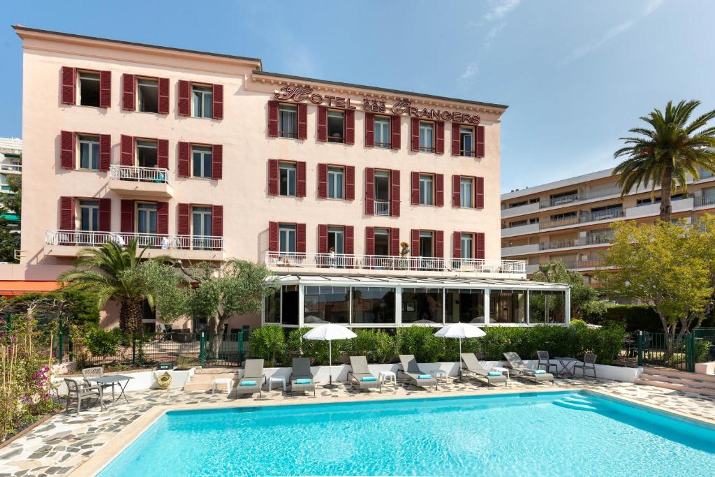 The swimming pool at or close to The Originals Boutique, Hôtel des Orangers, Cannes (Inter-Hotel)