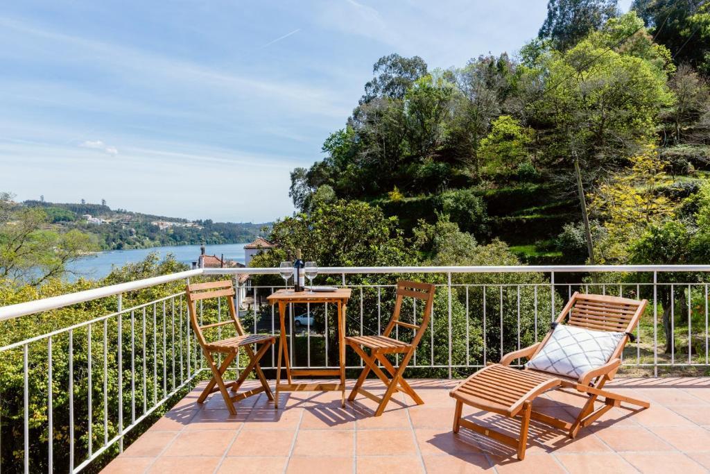 Uma varanda ou terraço em Quinta da Agraceira Casa do Caseiro