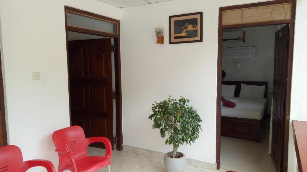 A seating area at Umaya Holiday Home