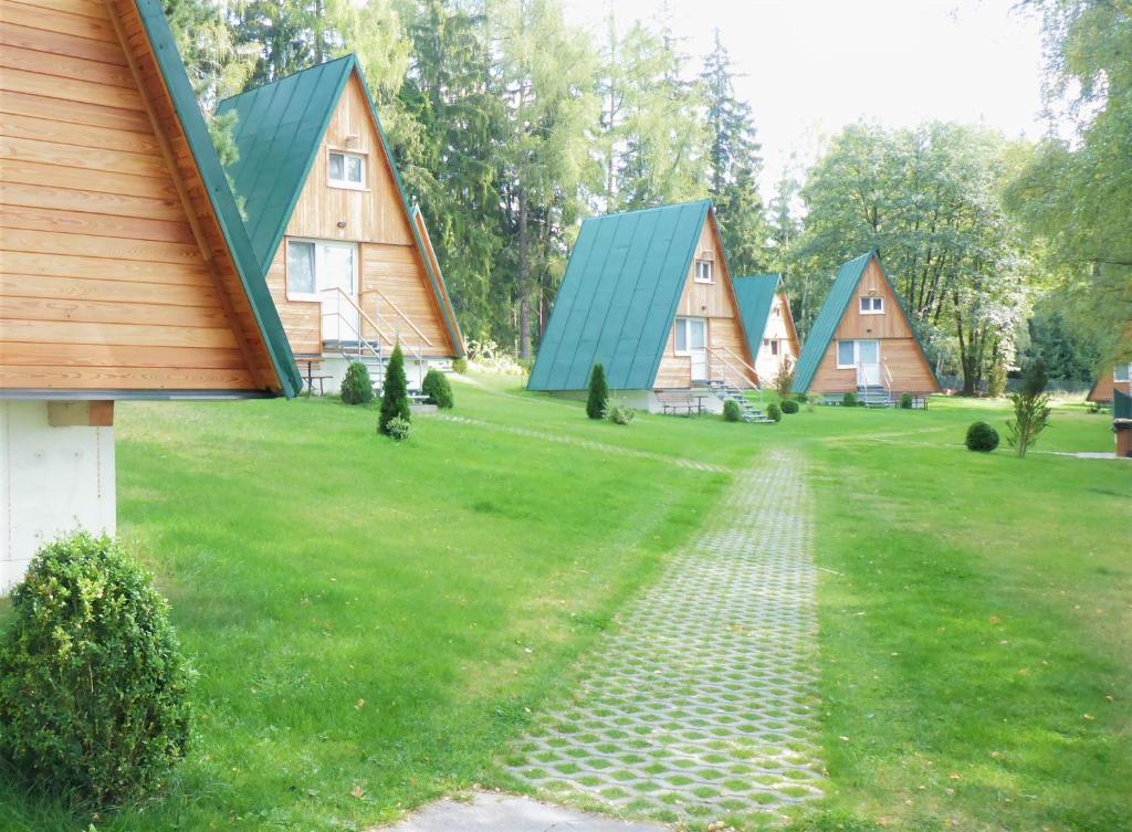 Zahrada ubytování Chatky Sázava