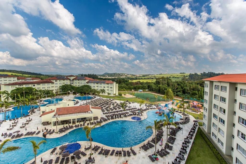 Uma vista da piscina em Tauá Hotel & Convention Atibaia ou nos arredores