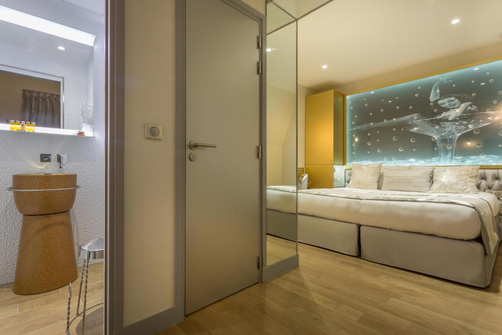 Salle de bains dans l'établissement Hotel Les Bulles De Paris