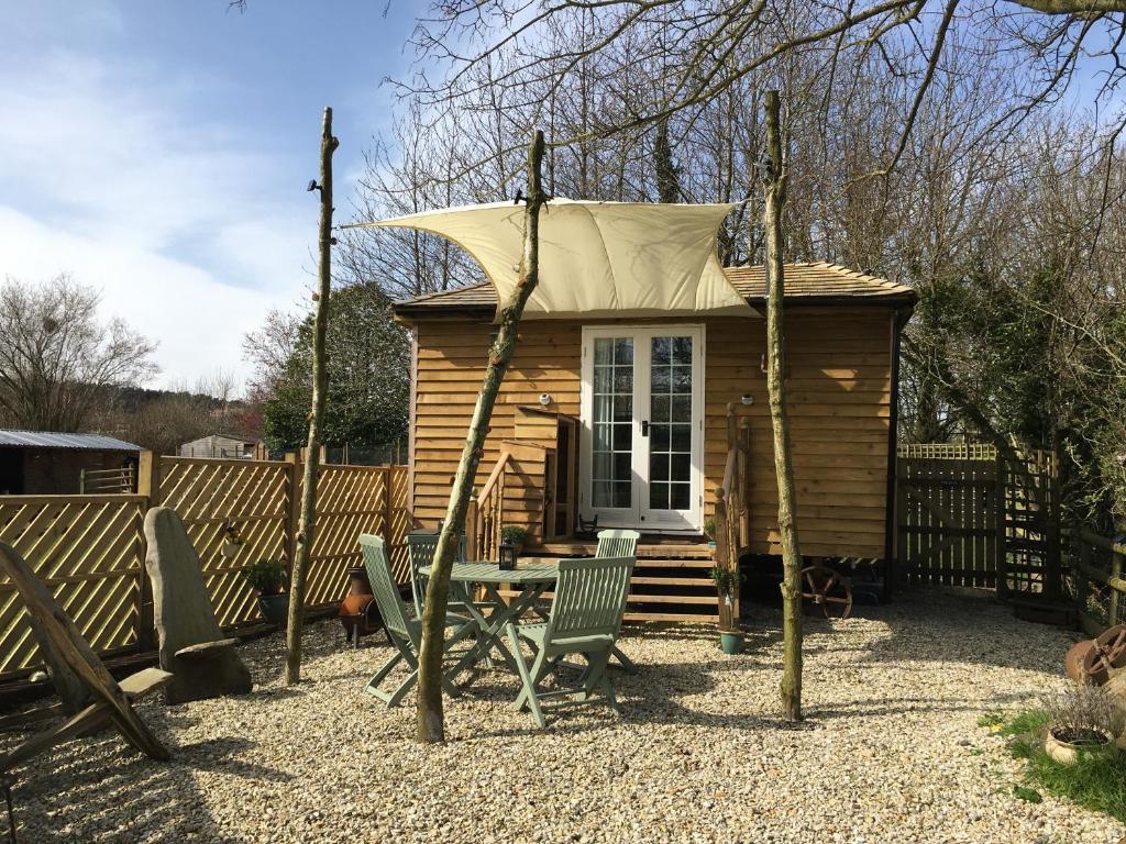 The Hut@Dinnington