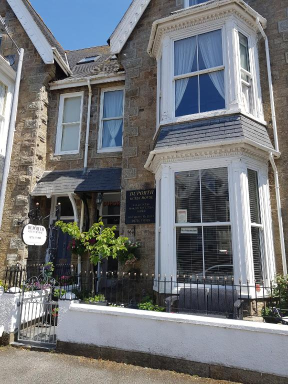 Duporth Guest House in Penzance, Cornwall, England