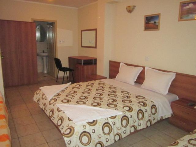 Легло или легла в стая в Хотел Версай
