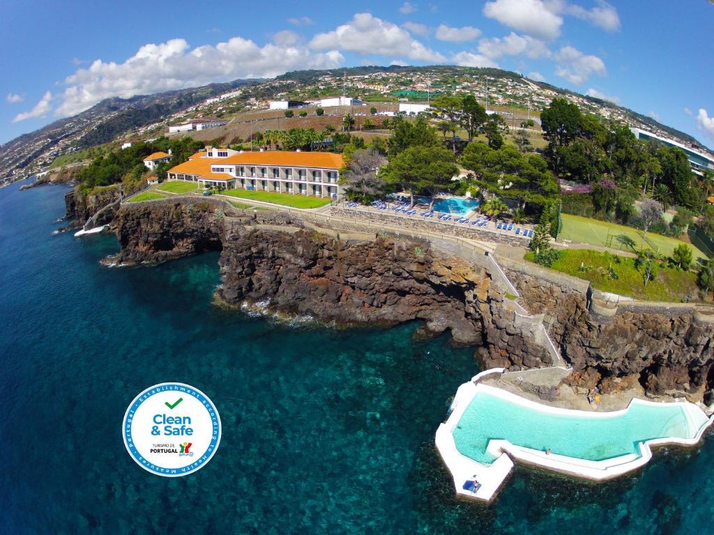 Vue panoramique sur l'établissement Albatroz Beach & Yacht Club