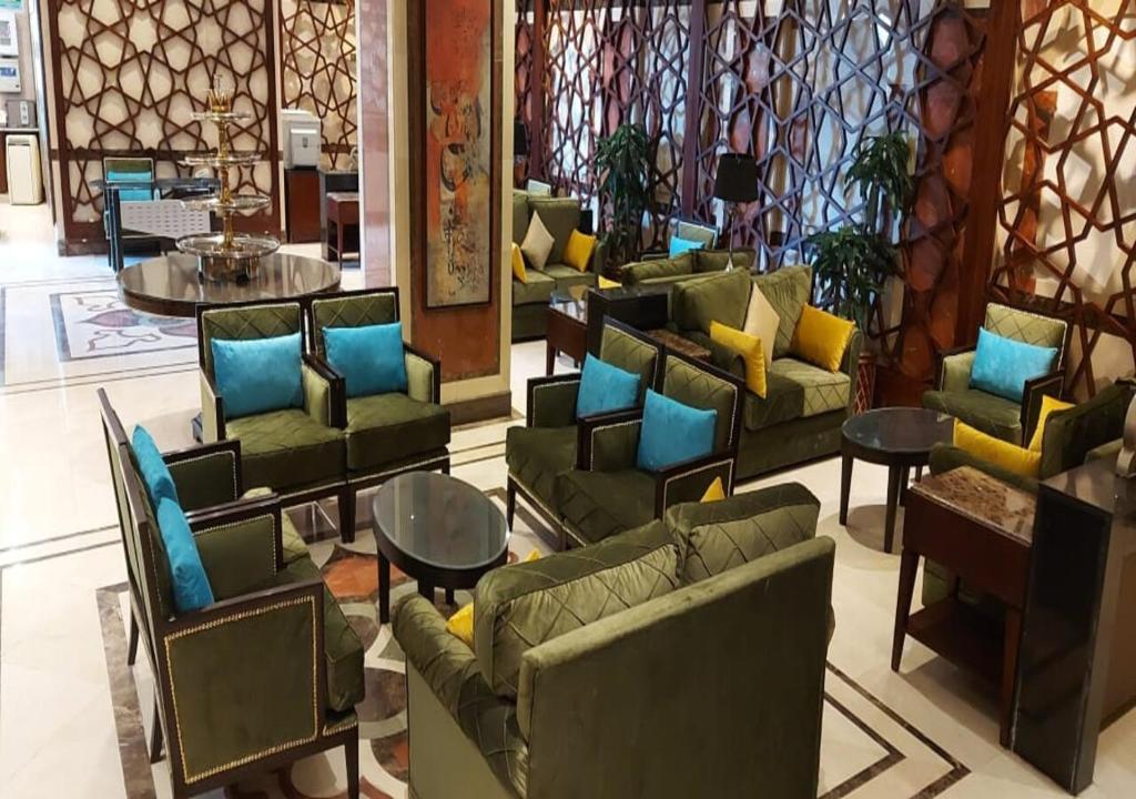 منطقة البار أو اللاونج في فندق روتانا المسك