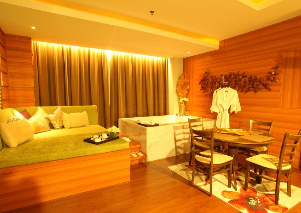 Royal Asnof Hotel Pekanbaru Pekanbaru Updated 2020 Prices