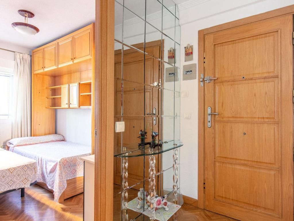 Captivating Apartment in Madrid near El Retiro Park 13