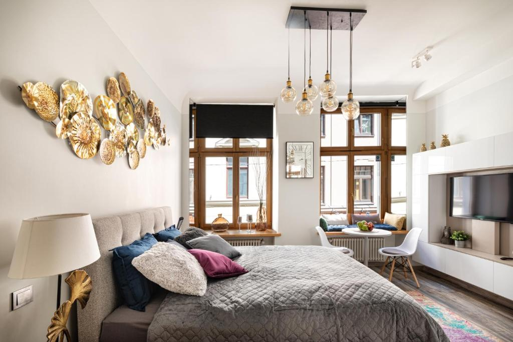 Art Design King Bed Studio Apartment In Old Town Riga Updated 2021 Prices