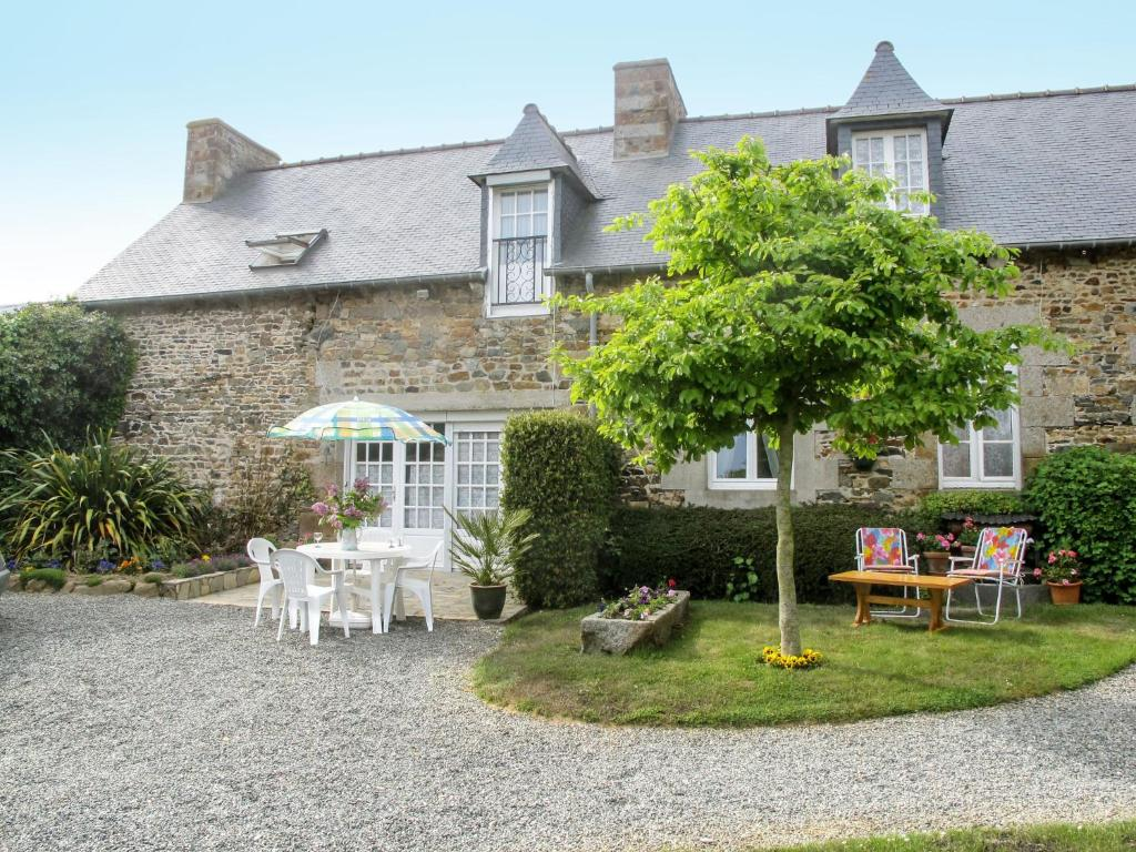 Holiday Home Chez Nelly - PDI110