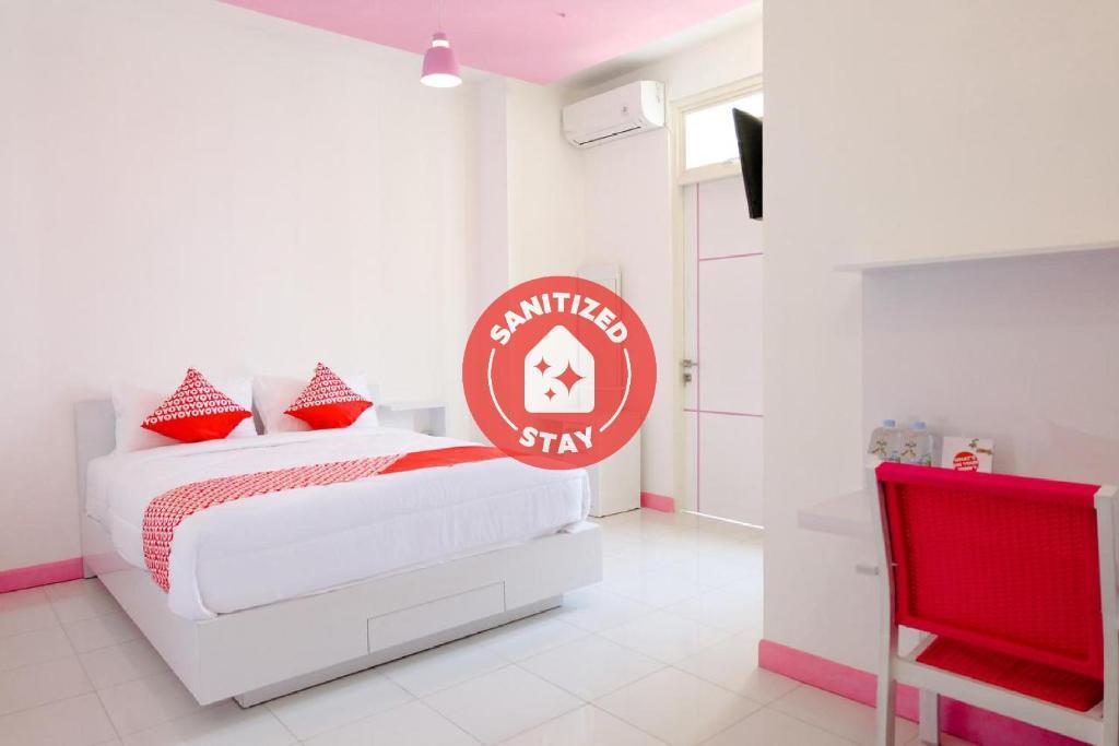 Hotel Oyo 1218 Bam Bam House Syariah Malang Indonesia Booking Com