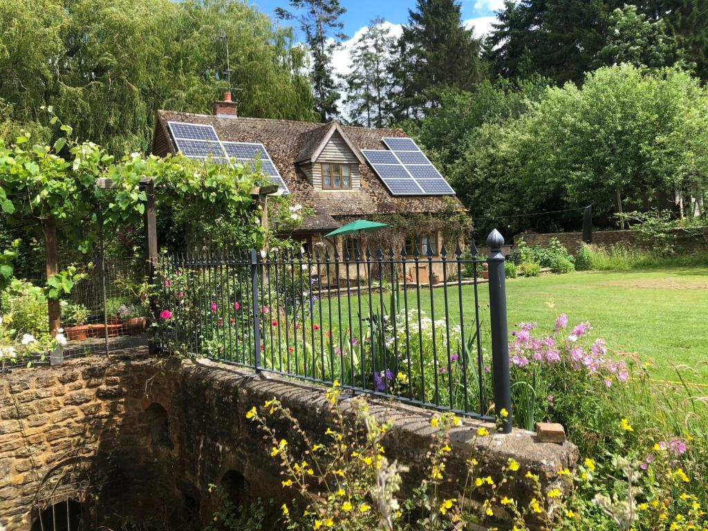 The Lodge & Studio at Holycombe