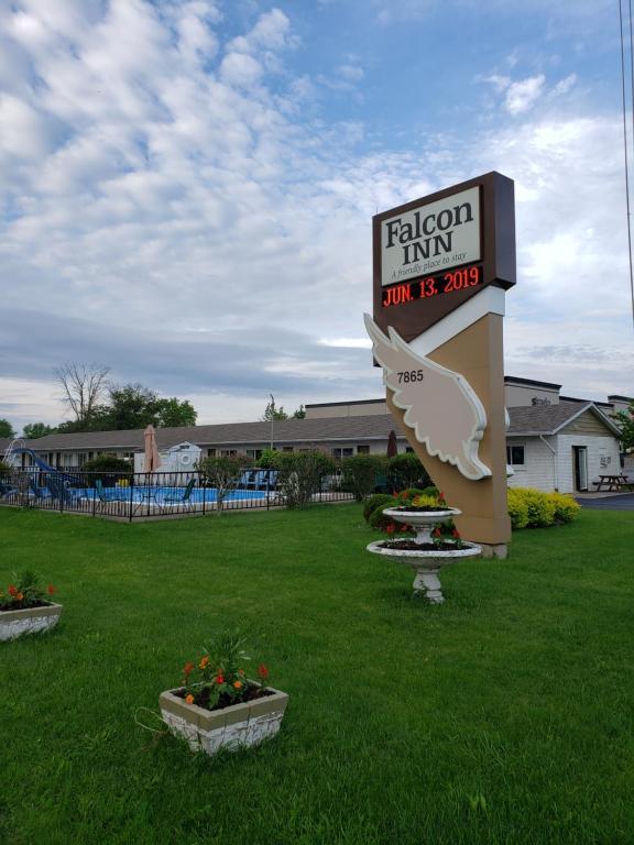 Niagara falls falcon inn motel hotel by the casino niagara falls on canada rum city slot machine