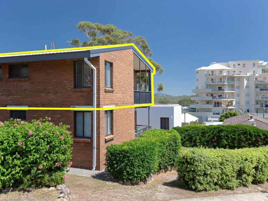 6 'Bahia', 47 Ronald Avenue - fantastic location with filtered water views