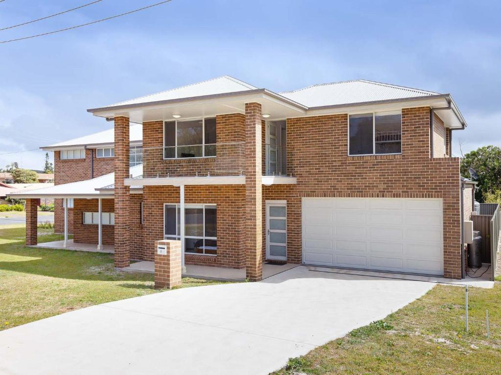 5B BENT STREET - LARGE HOUSE WITH DUCTED AIR CON, WIFI & FOXTEL