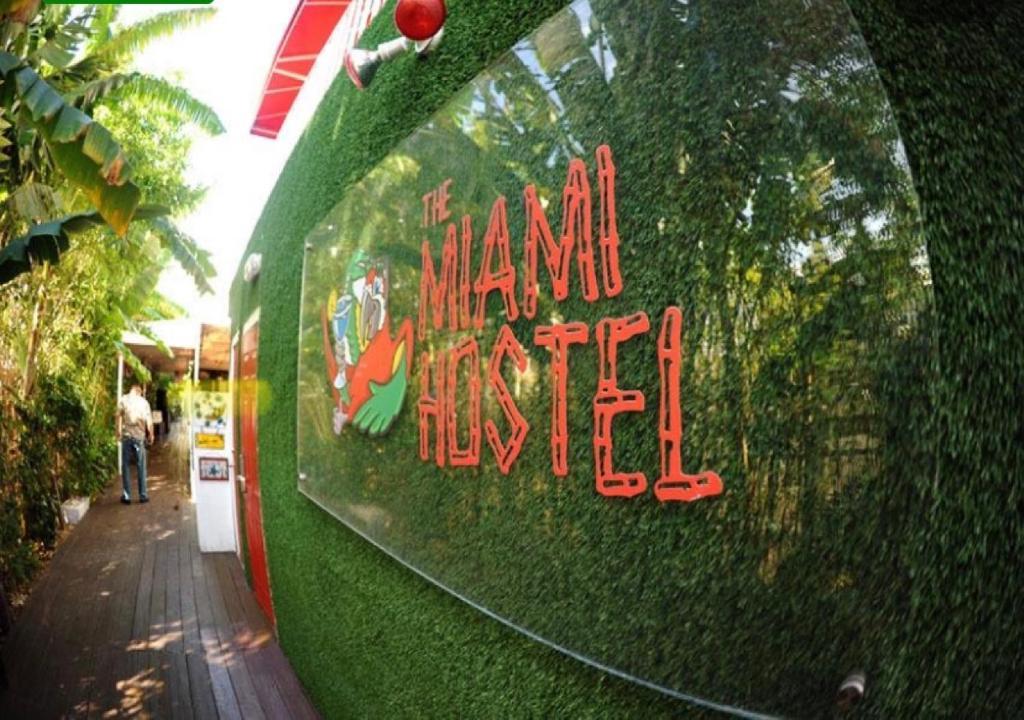 Logo nebo znak hostelu