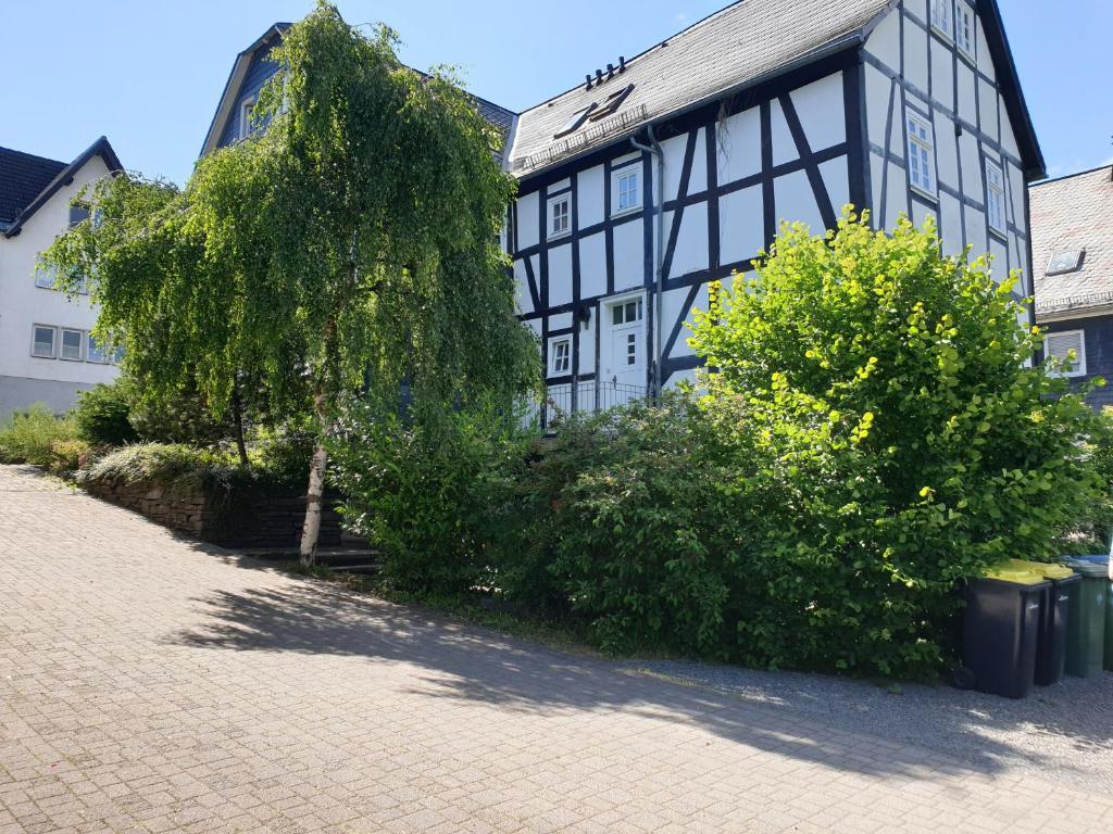 """Neu Gemütliche Ferienhaus mit 3 Ferienwohnungen """"Max """" , """" Leonore """" und """"Beatrice"""""""