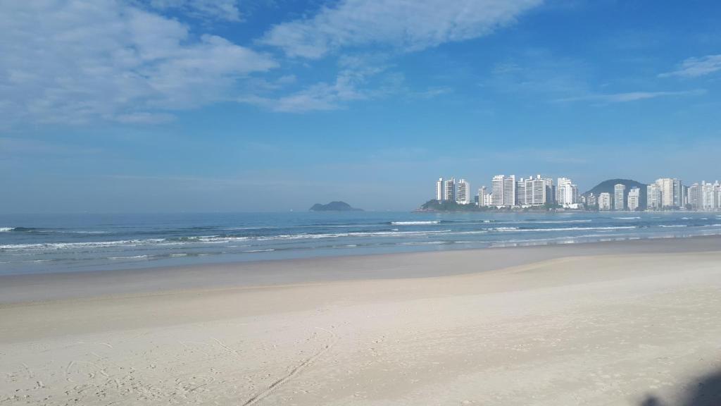 Lindo Flat-Capitania Varam, Apartamento a 100 metros da praia ,Rua Rio de Janeiro x Mario Ribeiro 886 apto143 , B3