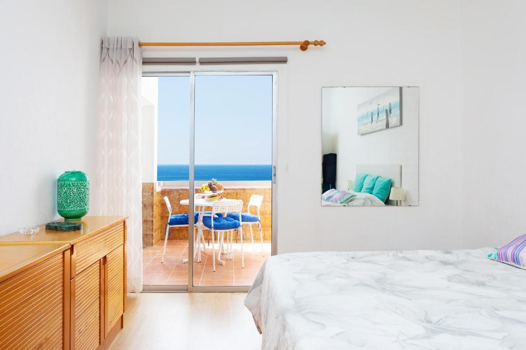 Home2Book Playa Chica Paradise Santa Cruz