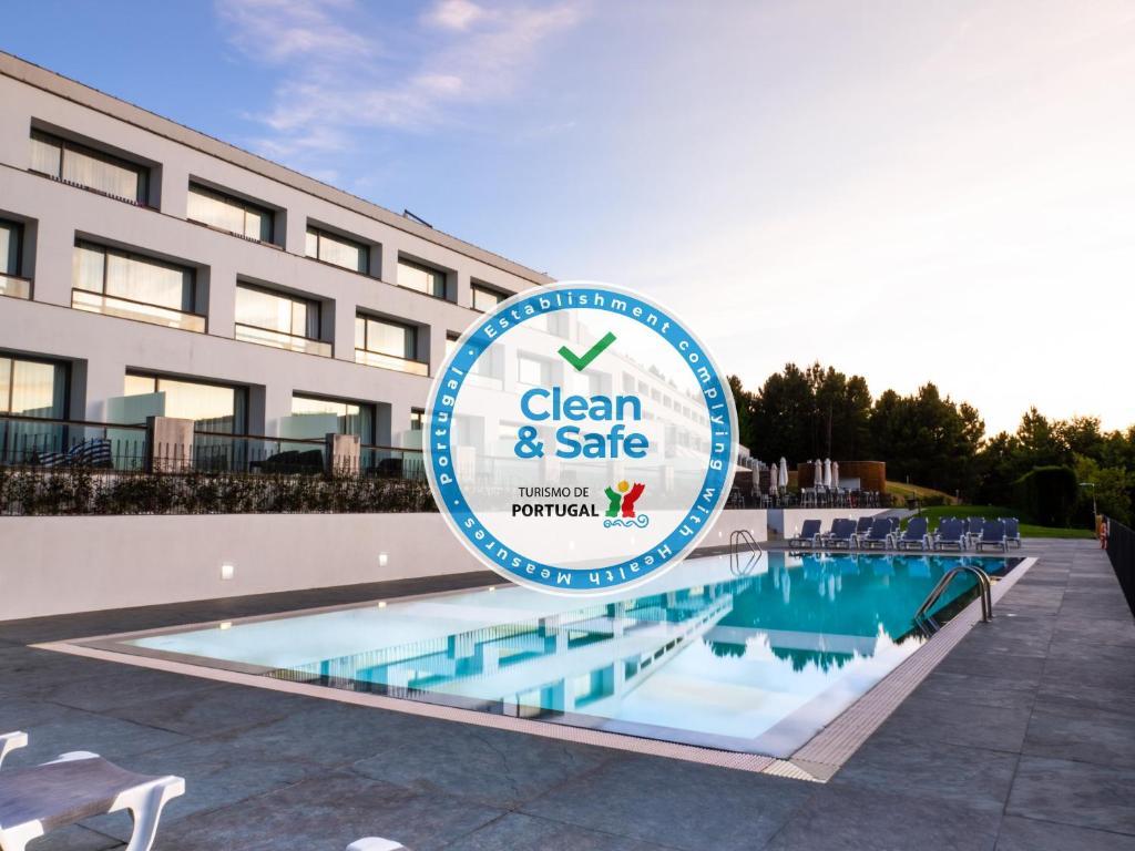 A piscina localizada em Monte Prado Hotel & Spa ou nos arredores
