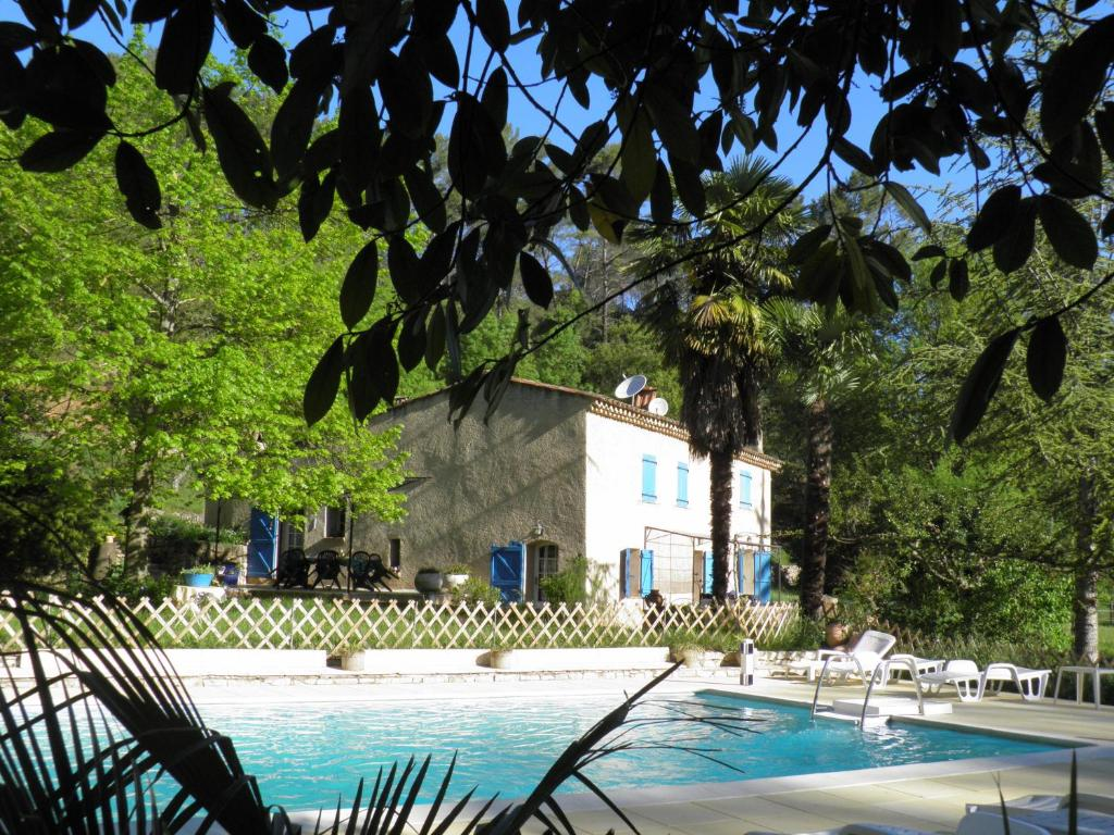 The swimming pool at or near Bed & Breakfast - Domaine de La Provenç'âne