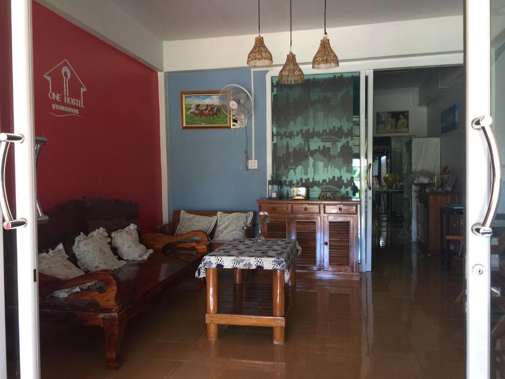 One Hostel Bangsaphan