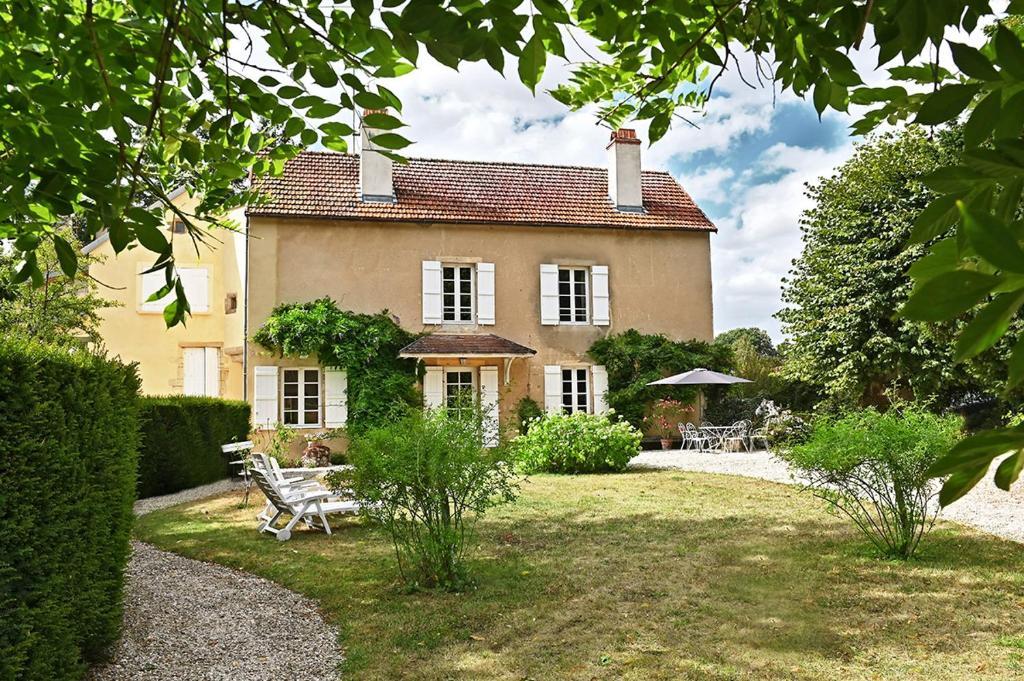 La maison de Colette, Commarin – Updated 9 Prices