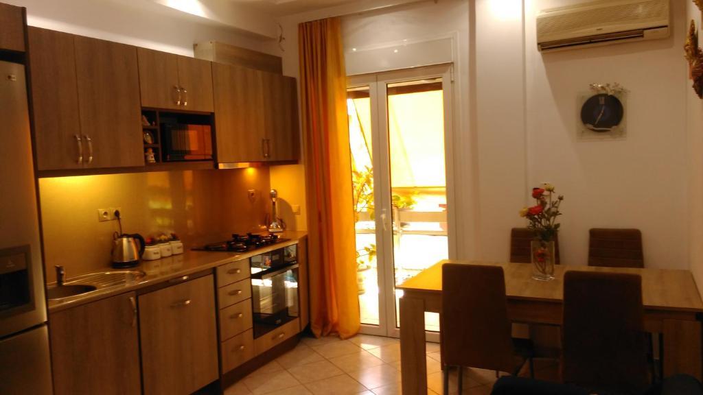 Ολόκληρο διαμέρισμα στην καρδιά της Αθήνας