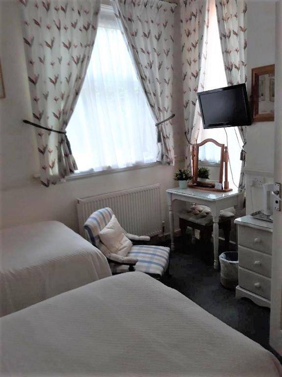 Alcantara Guest House in Southampton, Hampshire, England