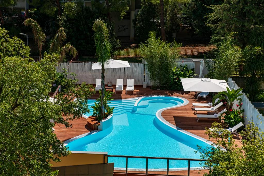A view of the pool at Hi Hotel Bari or nearby