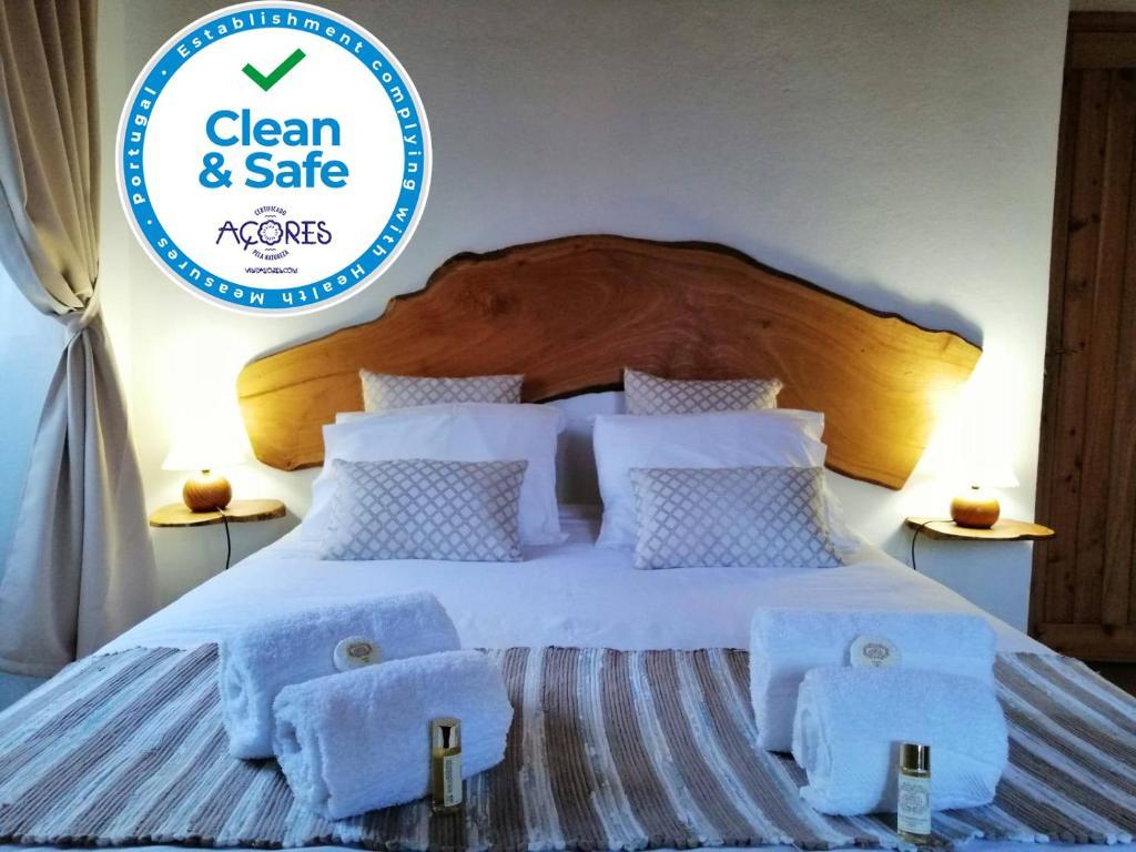 Uma cama ou camas num quarto em Casas da Quinta