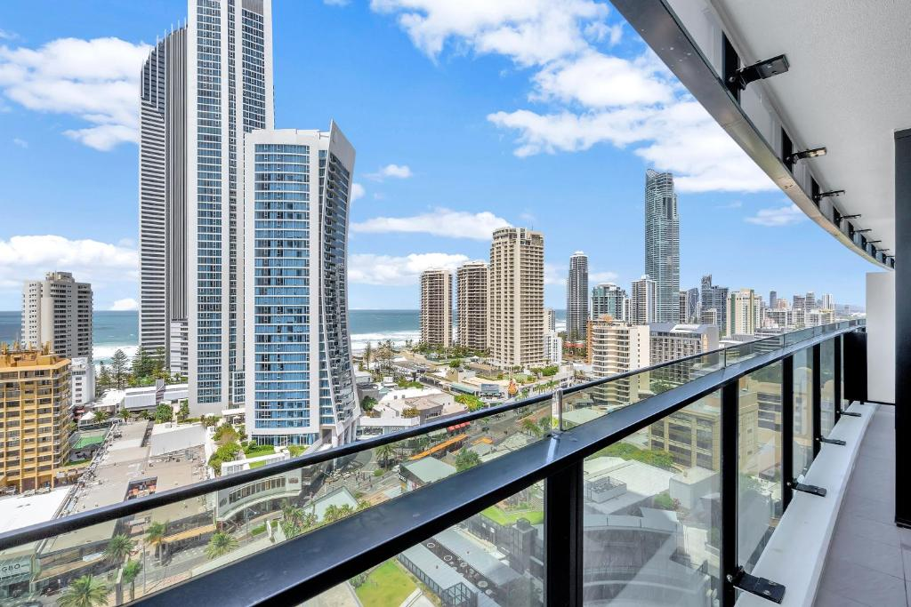 Circle On Cavill Apartments And Sub Penthouses We Accommodate Gold Coast Updated 2020 Prices