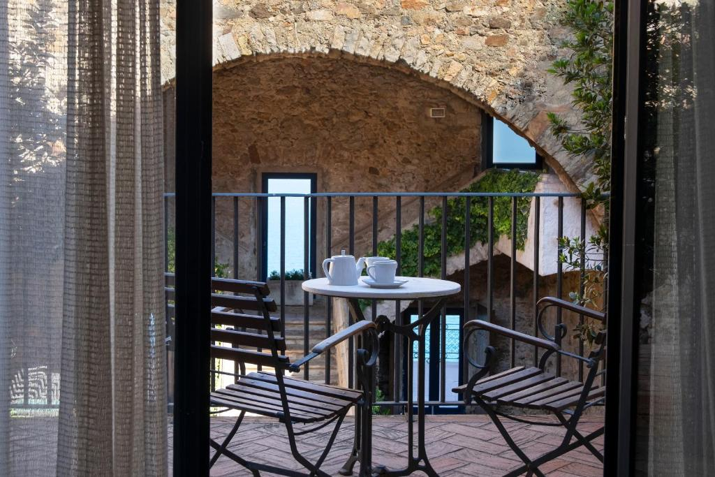 boutique hotels in llafranc  35