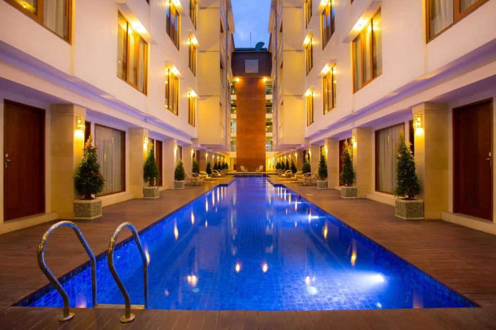 The swimming pool at or close to The Sun Hotel & Spa Legian