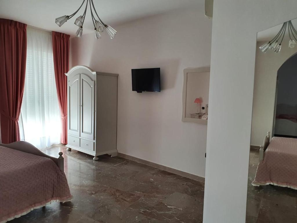 Hotels In Cirò